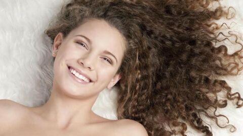 Cheveux bouclés: les 5 astuces pour les entretenir