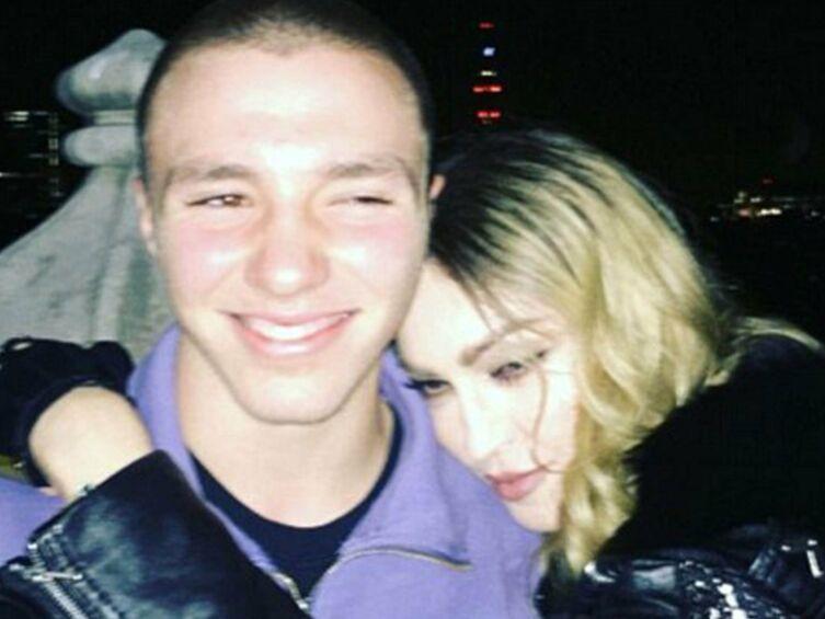 Madonna : son fils Rocco restera finalement vivre avec son père à Londres