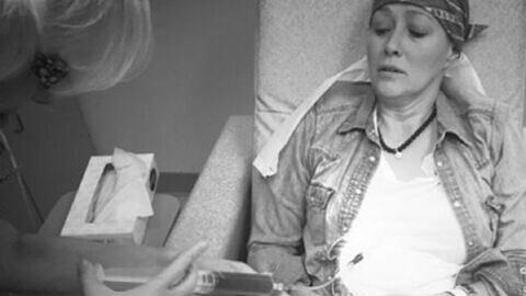 Shannen Doherty: courageuse, elle continue à partager son combat contre la maladie