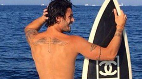 PHOTO Baptiste Giabiconi pose entièrement nu sur Instagram