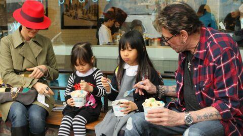 PHOTOS: Johnny Hallyday, après le dîner avec Hollande, la glace en famille