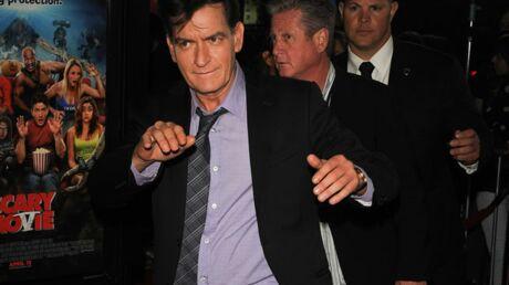 Charlie Sheen menace d'envoyer Ashton Kutcher à l'hôpital!