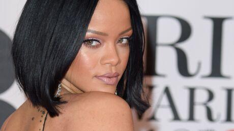 PHOTO Rihanna et son décolleté EXPLOSIF pour Harper's Bazaar