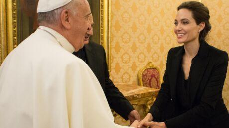 PHOTOS Angelina Jolie a (brièvement) rencontré le Pape François