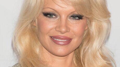 PHOTOS Pamela Anderson MECONNAISSABLE lors d'un gala de charité