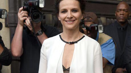 PHOTOS Juliette Binoche la joue sexy et trendy au défilé Armani