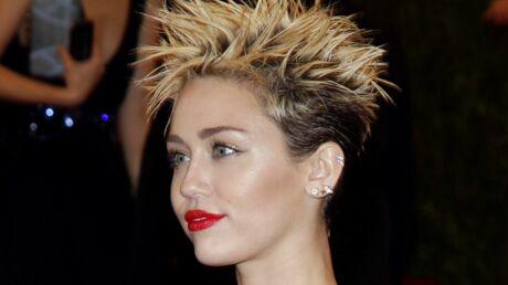 Miley Cyrus dit avoir vécu dans une maison hantée