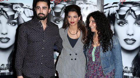 PHOTOS Tal entourée de sa maman et de son fiancé pour la première de son film