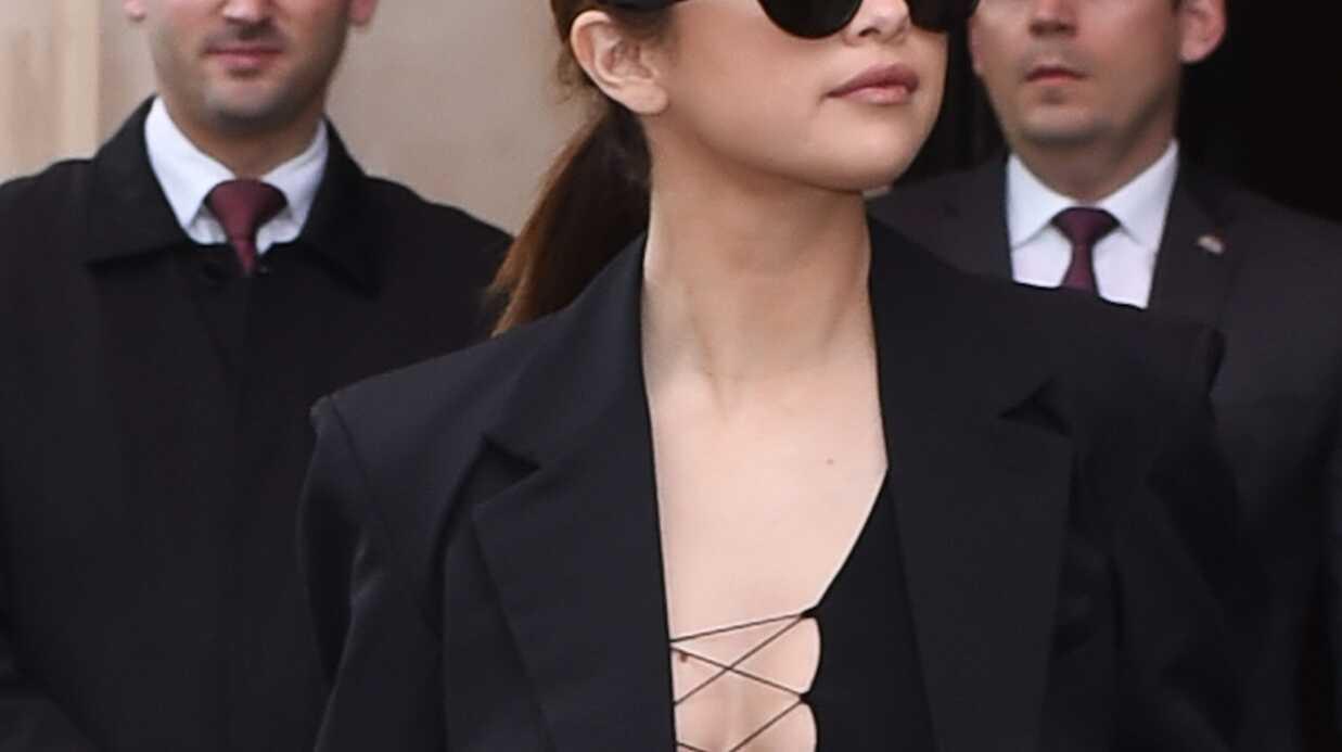 PHOTOS Selena Gomez ultra décolletée, de jour comme de nuit, à la fashion week