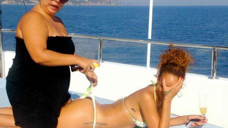 DIAPO Rihanna balance des photos intimes sur Facebook