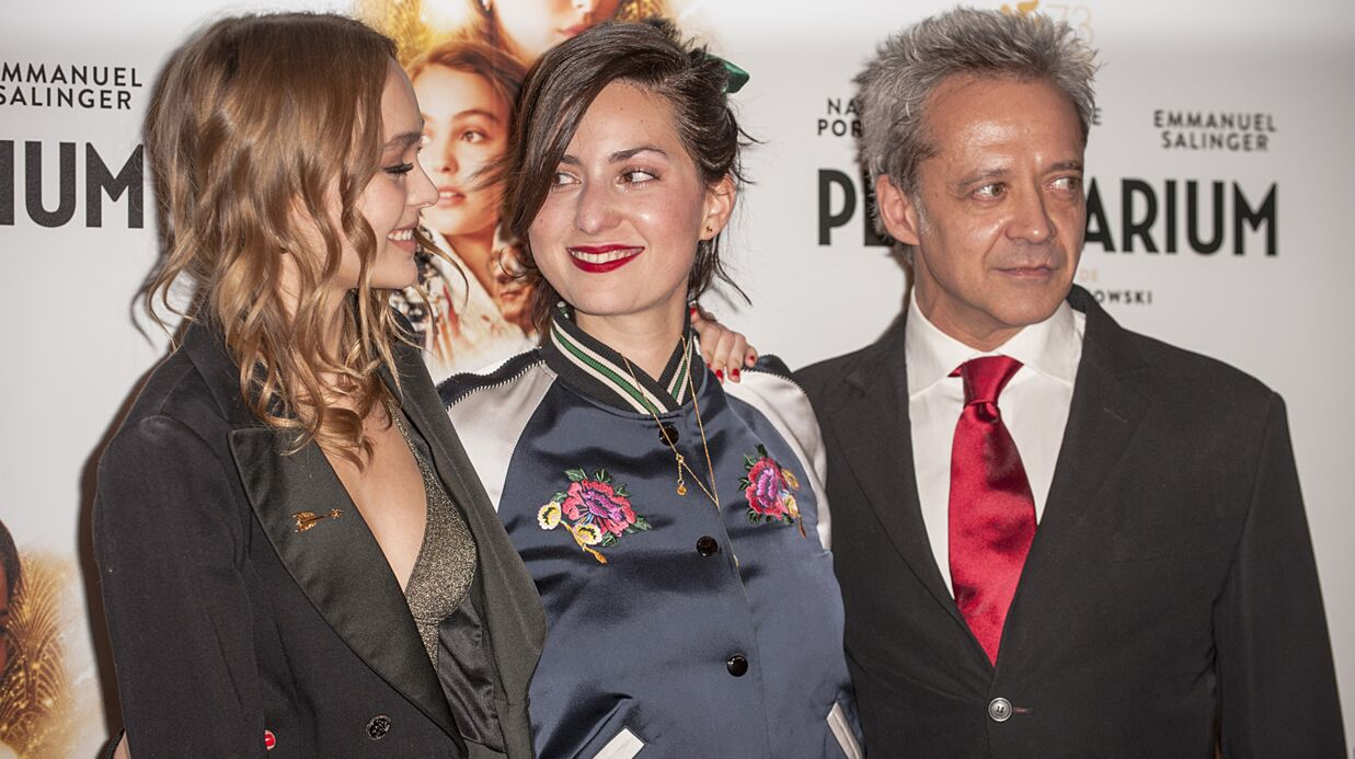 PHOTOS Lily-Rose Depp glamour assure la promo de Planetarium à Paris