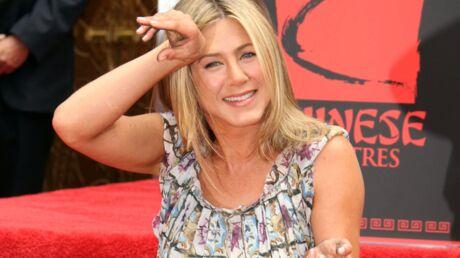 Jennifer Aniston dévoile son impressionnante bague de fiançailles