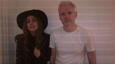 PHOTO Lady Gaga rend visite à Julian Assange