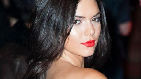PHOTOS Kendall Jenner topless et sous sa douche, le shooting torride