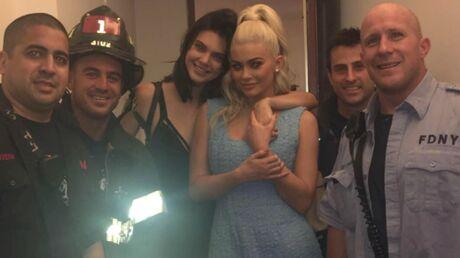 VIDEO Coincées dans un ascenseur, Kendall et Kylie Jenner tentent de se calmer en se filmant