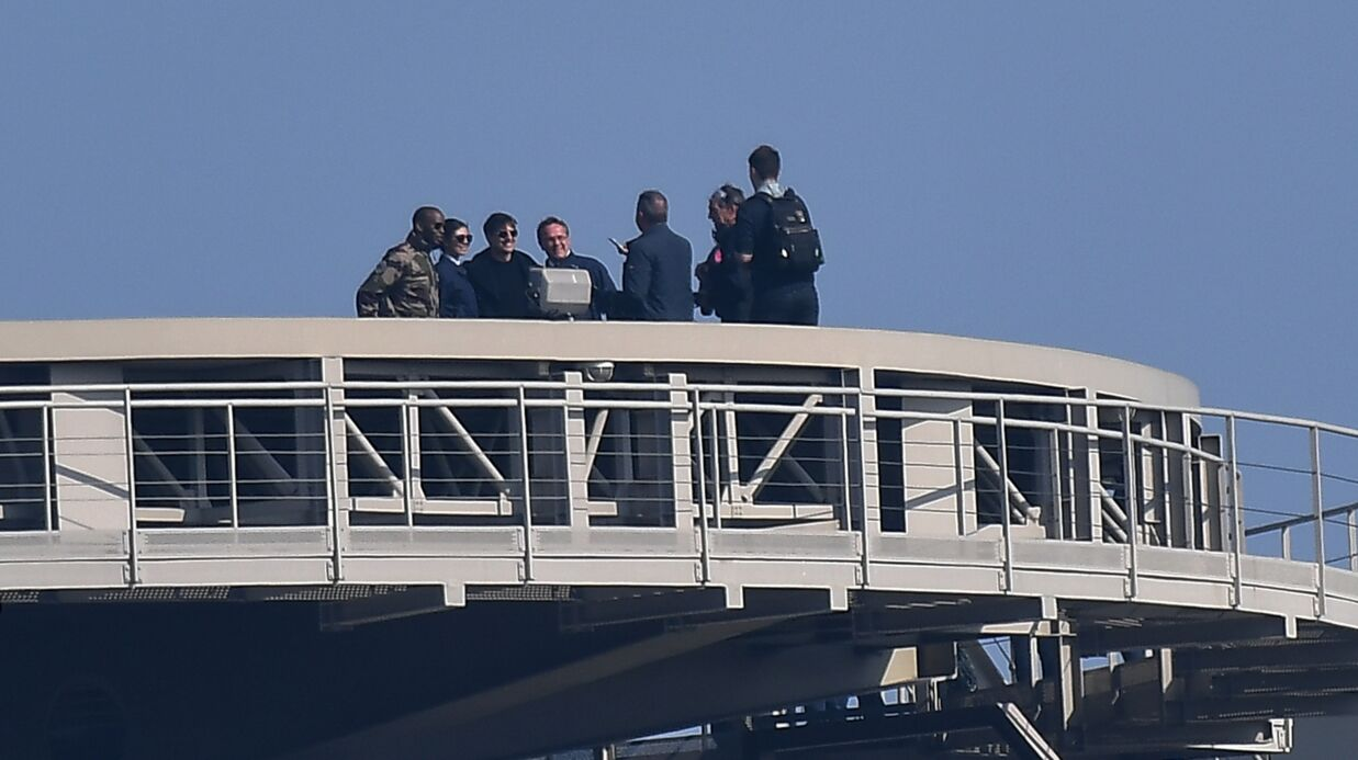 PHOTOS Mission Impossible: Tom Cruise en tournage à Paris sur le toit du ministère des Finances, normal
