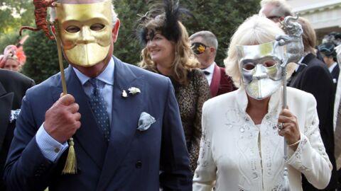 DIAPO Le prince Charles s'éclate à un bal masqué