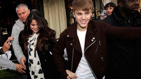 DIAPO Justin Bieber et Selena Gomez main dans la main à Paris