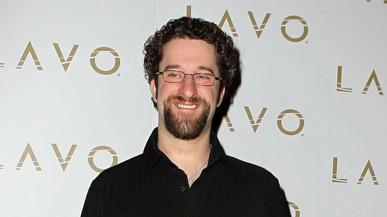 Dustin Diamond (Sauvés par le gong) s'excuse auprès de ses anciens partenaires de la série
