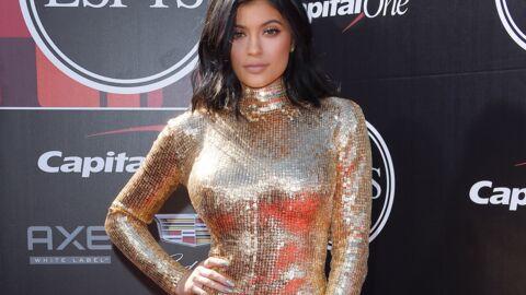 PHOTOS Kylie Jenner dévoile un shooting ultra sexy en guêpière et décolleté