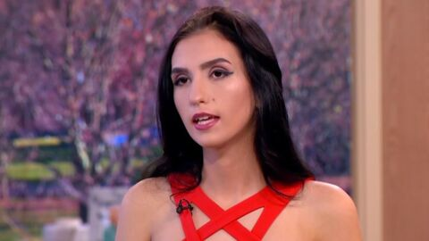 Un mannequin de 18 ans a vendu sa virginité aux enchères pour 2,3 millions d'euros