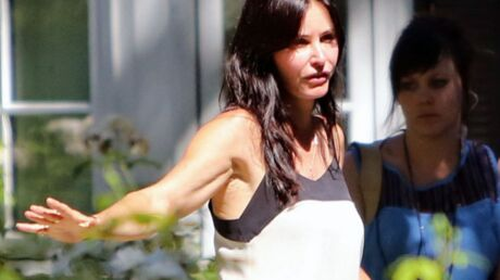PHOTO Méconnaissable, Courteney Cox choque