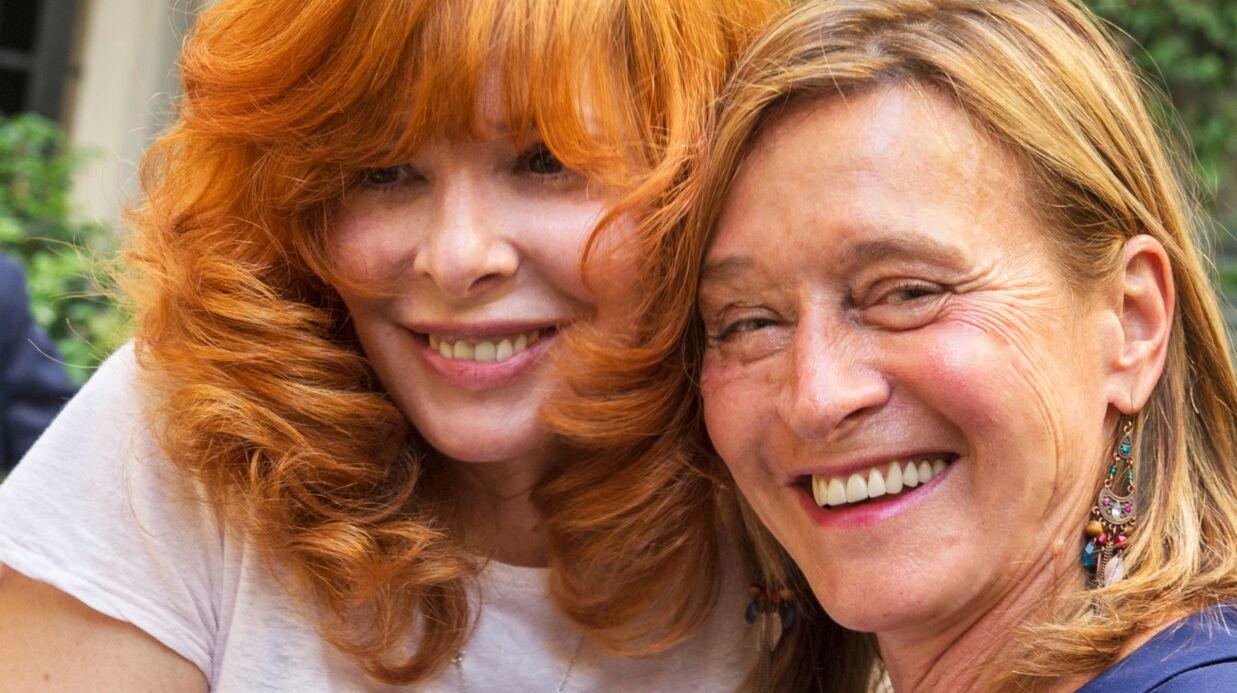 PHOTOS Rare apparition de Mylène Farmer lors d'un vernissage parisien