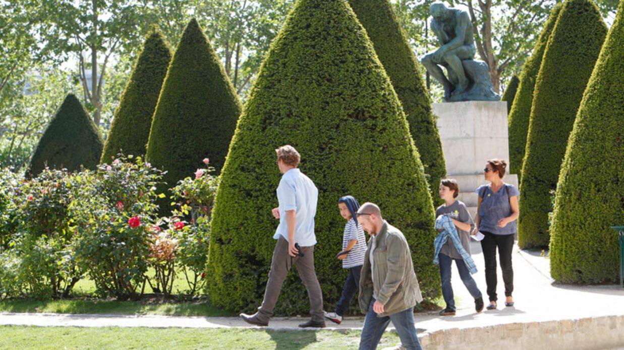 PHOTOS Mentalist: Simon Baker visite Paris en famille