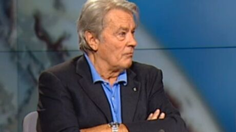 Alain Delon en colère contre son fils Anthony, il lui demande de «la fermer»