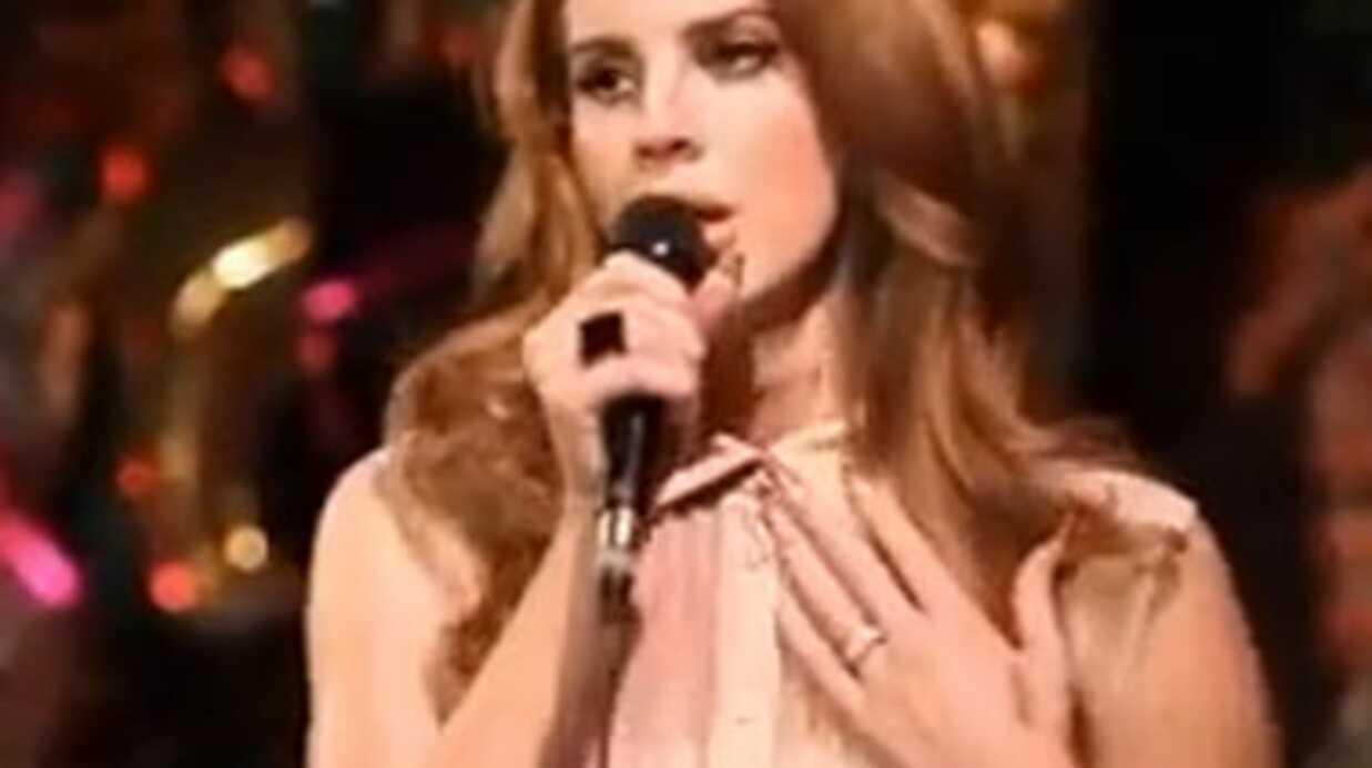 VIDEO Lana Del Rey en showcase au Chateau Marmont