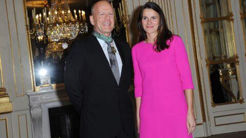DIAPO Bruce Willis décoré à Paris entre deux sorties en famille