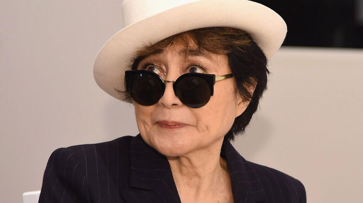 Yoko Ono bidouille sa photo hommage à David Bowie pour être proche de lui sur l'image
