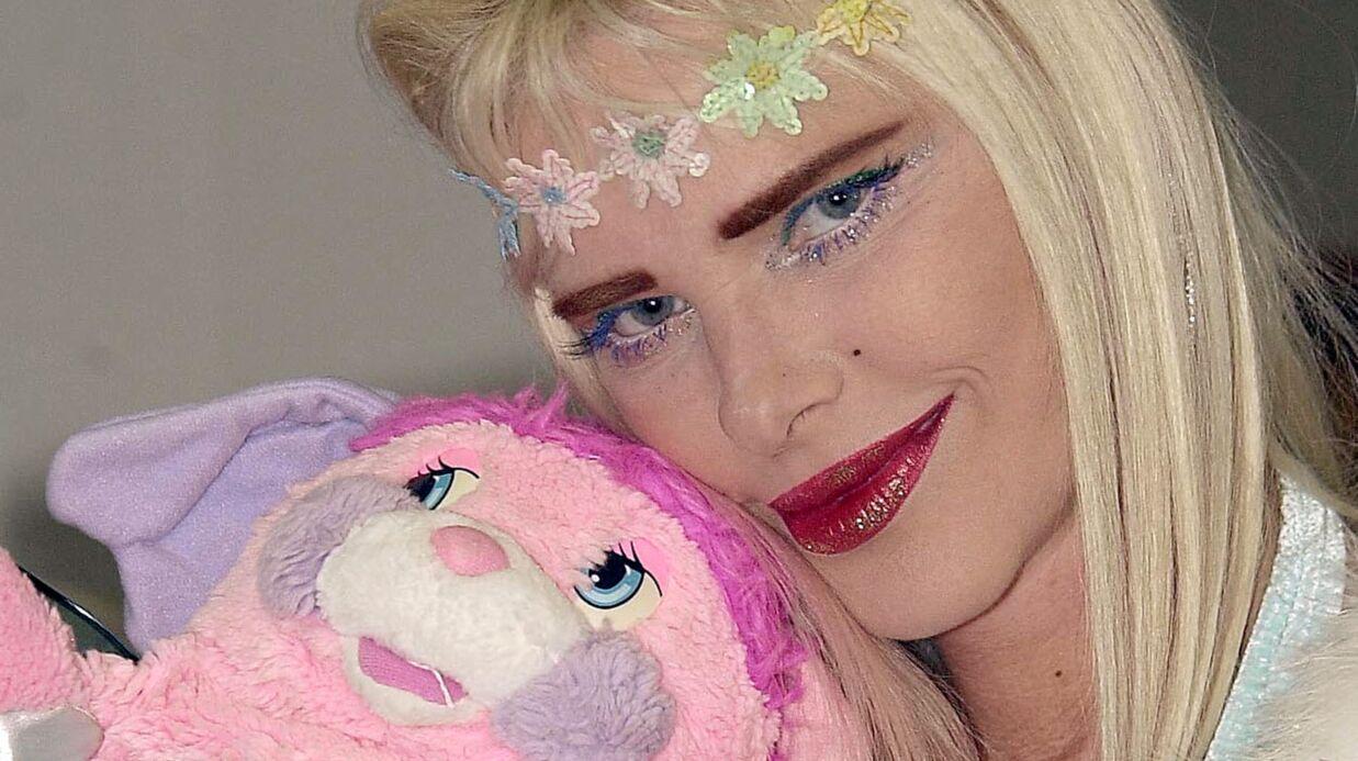 La Cicciolina réclame 70 millions de dollars à Google à cause des liens vers une vidéo X avec… un cheval