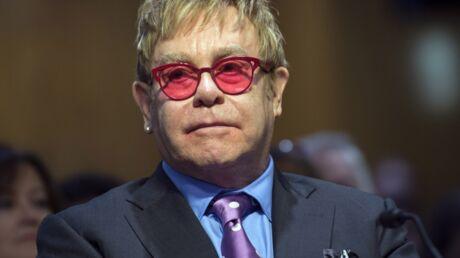 Elton John: rejeté par son père, il évoque ses blessures