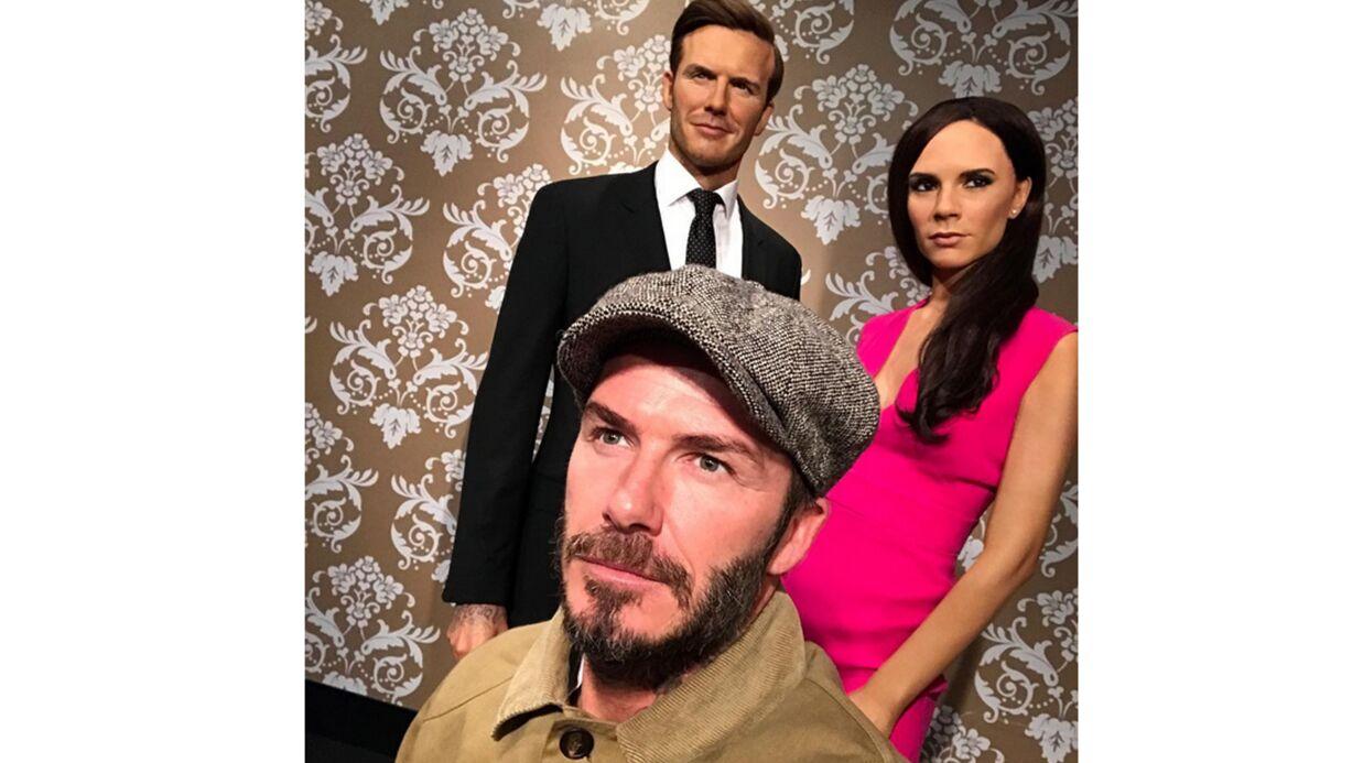 PHOTO David Beckham se moque (gentiment) de sa statue de cire et de celle de sa femme