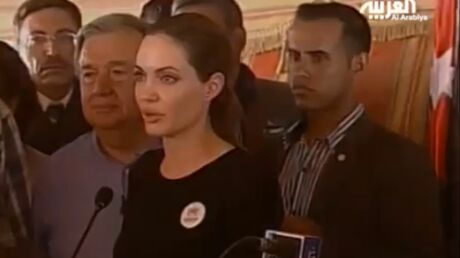 Angelina Jolie émue pendant la visite d'un camp de réfugiés en Jordanie