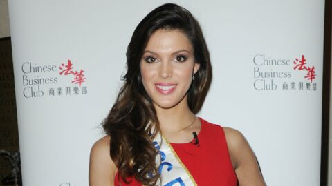 PHOTO Iris Mittenaere pose avec sa soeur, sa copie conforme