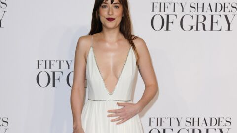 PHOTOS 50 nuances de Grey : Dakota Johnson ose l'ultra décolleté à la première londonienne