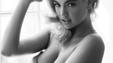 PHOTO Kate Upton : jolie pin-up topless pour un shooting en noir et blanc