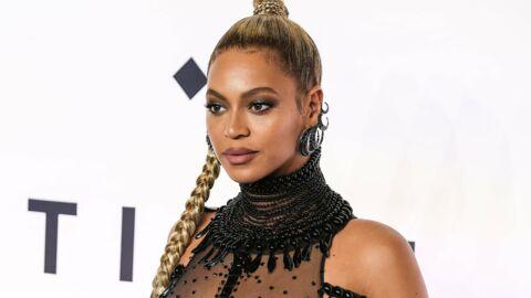 VIDEO Enceinte et presque nue, Beyoncé illumine la scène des Grammy Awards