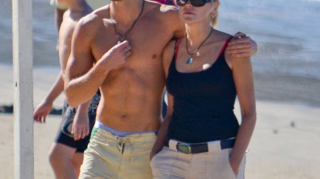 PHOTO Sharon Stone et son mannequin de 27 ans à la plage