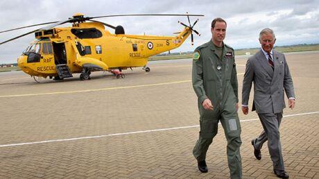 Bébé royal: le prince William vient de quitter sa base aérienne