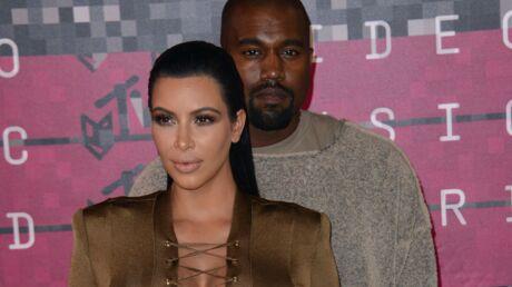 kim-kardashian-offre-une-paire-de-yeezy-appartenant-a-kanye-west-a-un-fan