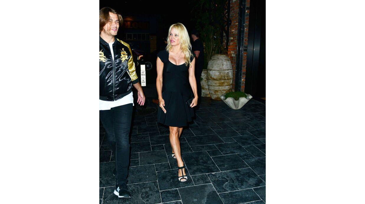 PHOTOS Pamela Anderson passe une soirée avec un ex-candidat de Secret Story