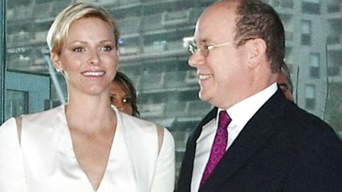 DIAPO Charlène de Monaco heureuse au bras d'Albert II