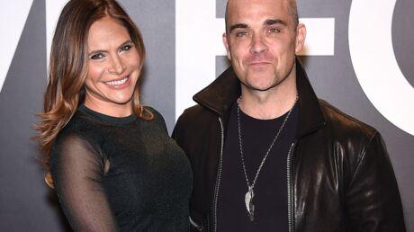 L'ex-assistant de Robbie Williams et de sa femme les poursuit pour harcèlement sexuel