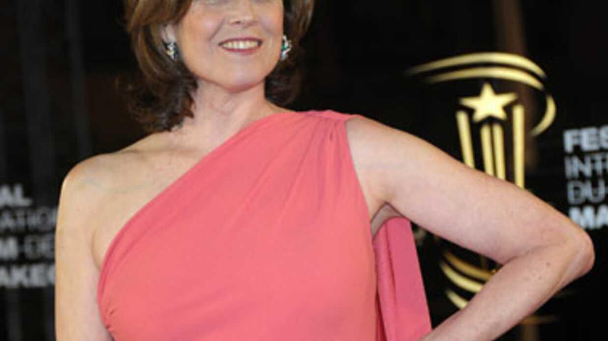 Sigourney Weaver tourne dans une mini série politique