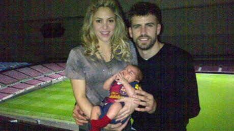 PHOTO Shakira et Gerard Piqué posent avec leur fils Milan