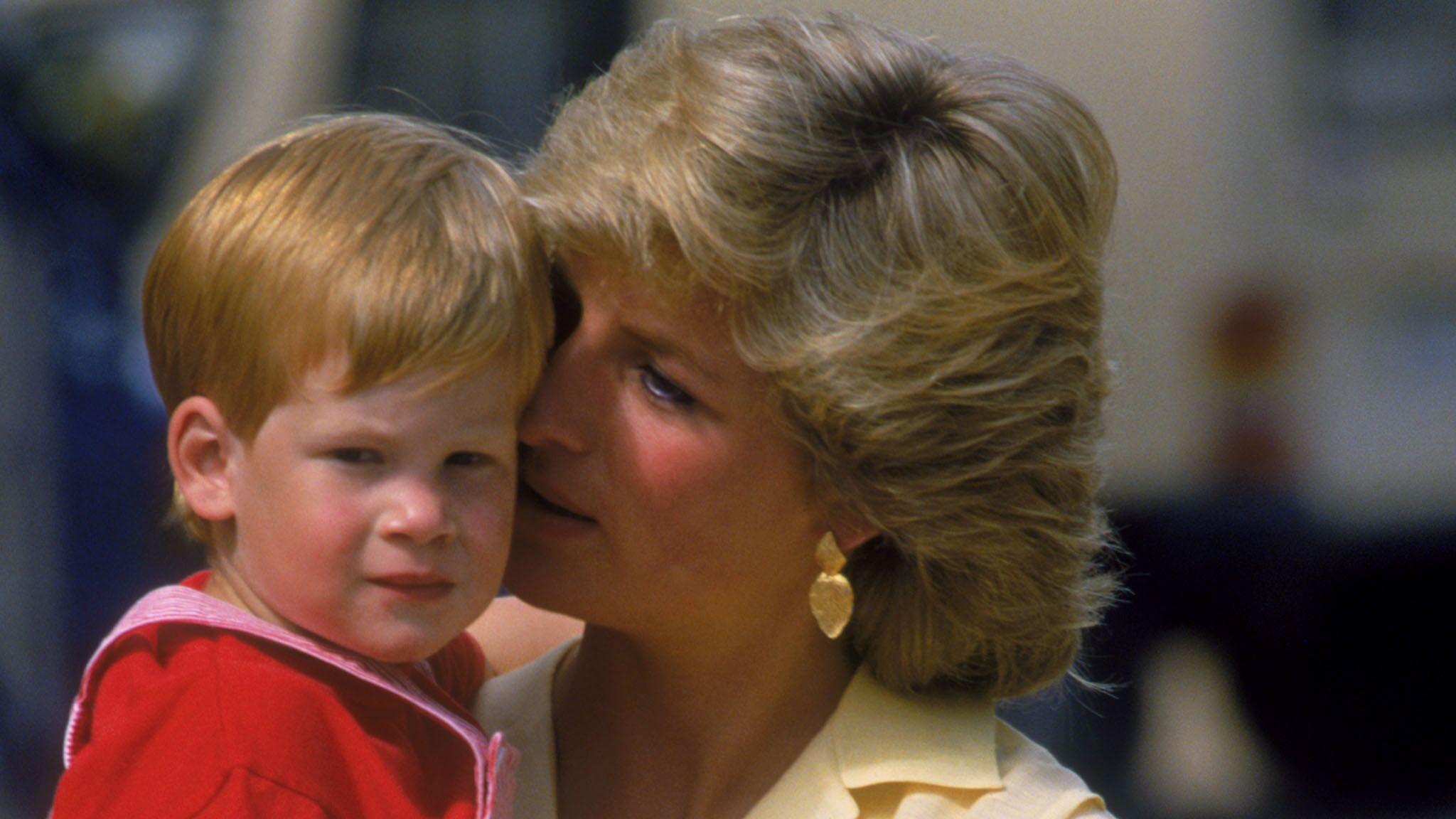 Diana Prince grosse bite noire