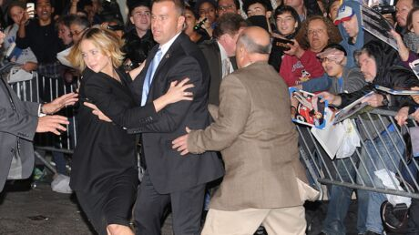 PHOTOS Jennifer Lawrence: petite frayeur avec ses fans